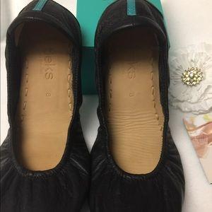 Tieks Shoes - Tieks matte black ballet flats size 8